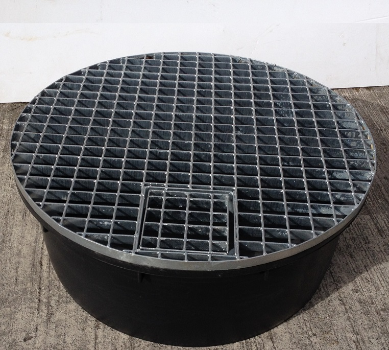 Round Reservoir With Galvanised Steel Grid